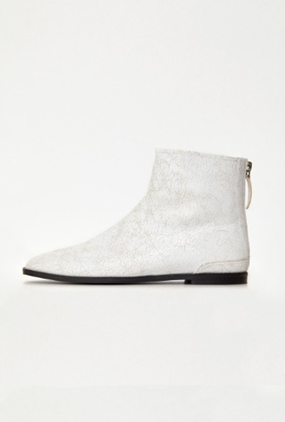 White Crack Flat Boots